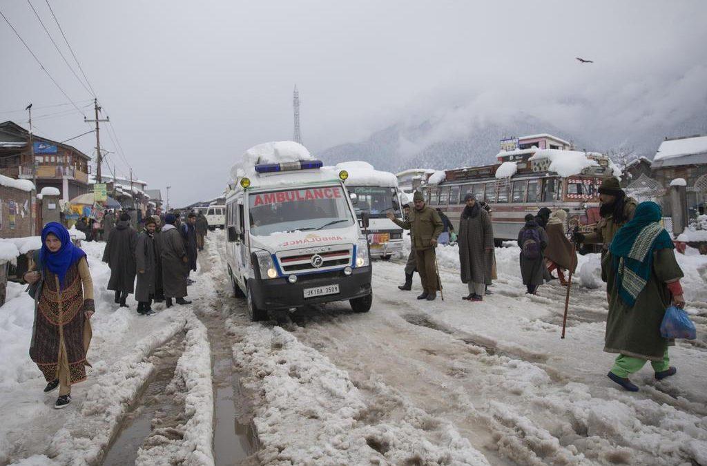 Avalanchas en Cachemira paquistaní dejan 71 muertos