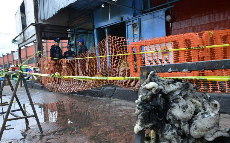 Reubicarán a locatarios afectados por incendio en mercado de Xochimilco