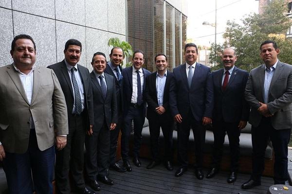 Acuerdan dirigencia nacional y gobernadores del PAN velar por la salud de los mexicanos