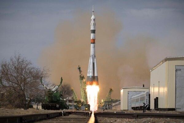 La nave tripulada Soyuz MS-16 partió hacia la Estación Espacial Internacional en plena pandemia