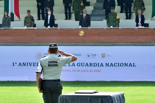 Pide a integrantes de la Guardia Nacional conducirse siempre con principios y valores