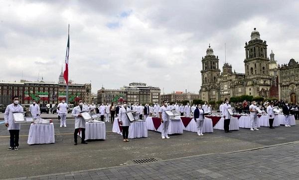 """Entregan reconocimientos """"Miguel Hidalgo"""" a personal médico por su labor para combatir COVID19"""