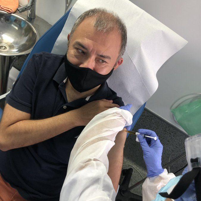 Ernesto, el primer mexicano en recibir vacuna contra covid