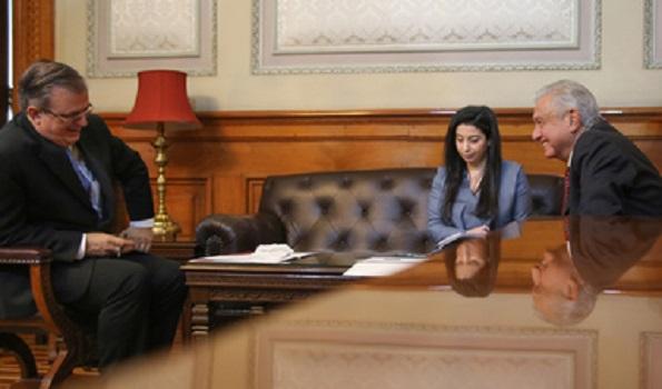 AMLO habla con la  vicepresidenta de EU, Kamala Harris