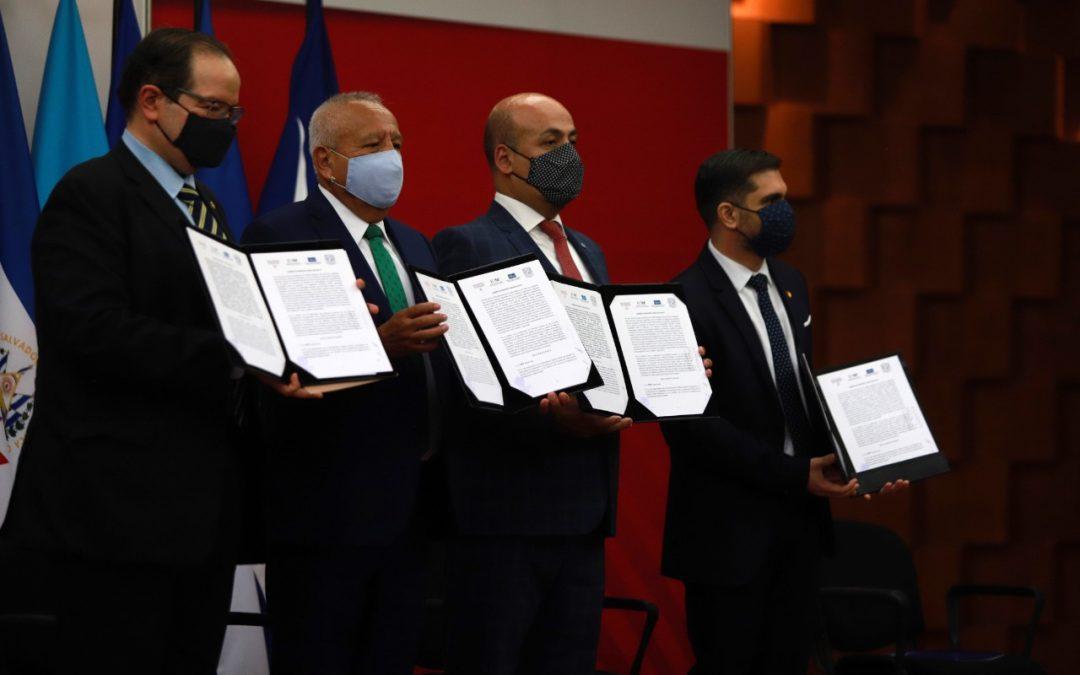 SRE, INM, UNAM y CRM suscriben convenio para combatir tráfico ilícito de migrantes y trata de personas